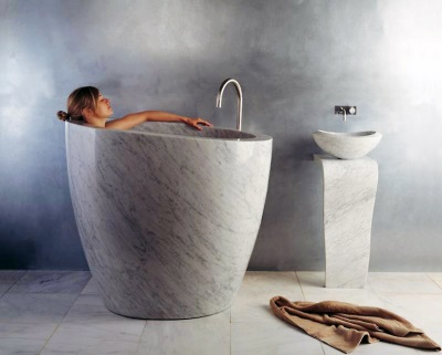 Vertical bath in the bathroom as the ofuro