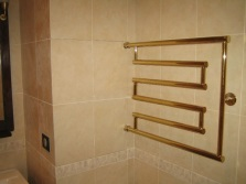 Zigzag Water heated towel rail for the bathroom