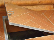 Floor hatch audit Tile