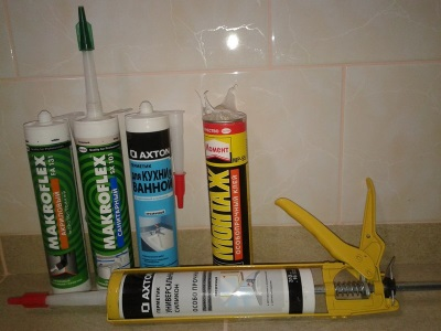 Silicone sealant for bath - it