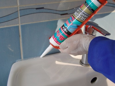 Terms of Use silicone sealant in the bathroom