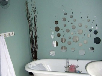 Acrylic paint for the bathroom with an inexpensive repair