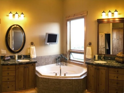 Electrical appliances and lighting in the bathroom