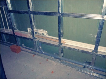 Creation of steel structures for the walls in the bathroom