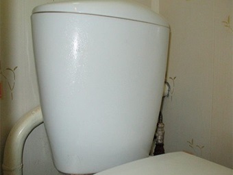 Condensation on toilet tank