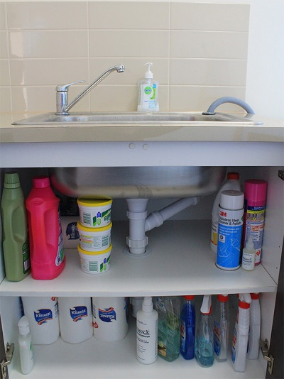 Detergents for bathroom