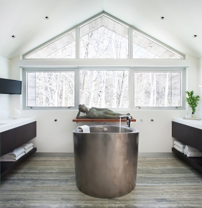 stainless steel bath tub in the Japanese style