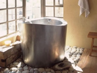 Round tub made ​​of stainless steel bathroom