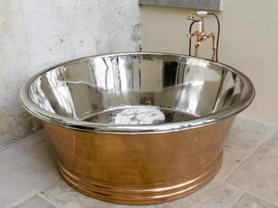 Steel round bathtub