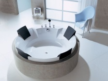 The choice of location for a round bath installation