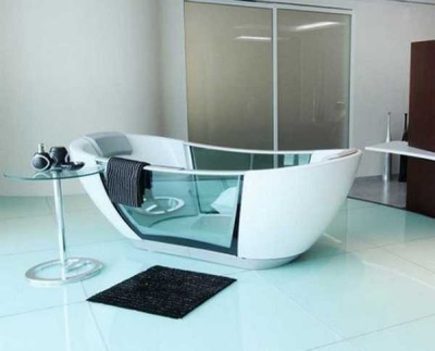 Bath combined with glass