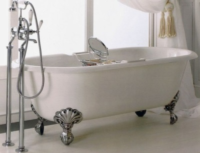 Disadvantages detached bath