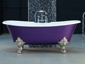 Decorative supports for bathtubs and their installation