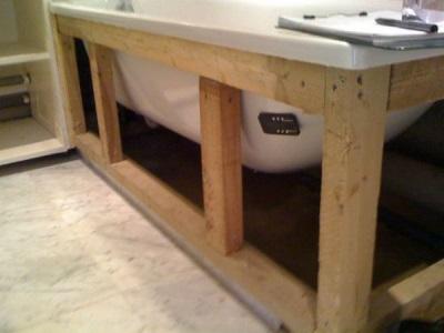 ... het bad. een beetje meer ingewikkelde installatie, die vóór voering