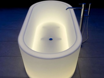 Bath with backlight - chromotherapy