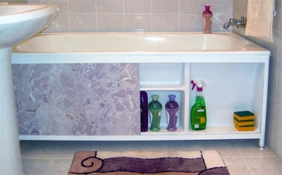 Screen for bath with shelves
