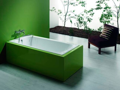 Rectangular cast iron bath