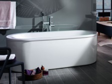 Oval acrylic bathtub