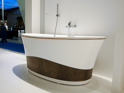 Acrylic bath from the company Doctor Jet
