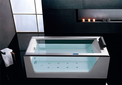 Bath with a glass insert and hydromassage