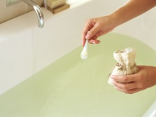 Soothing bath additives