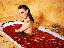 Bath with lots of rose petals
