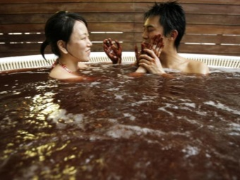 The chocolate bath for two