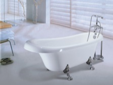 The small cast iron bathtub