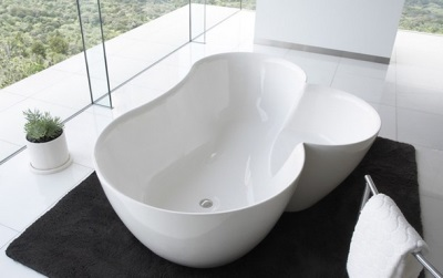 Bath in the form of a flower