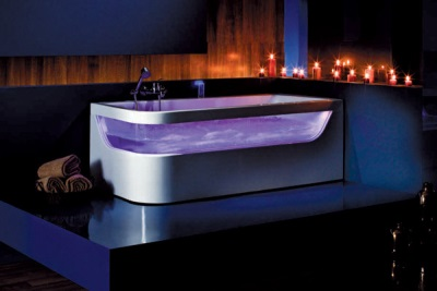 Bath made ​​of glass interior