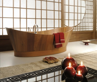 Bath made ​​of wood