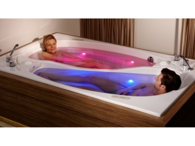 Big bath for two