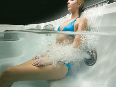 Jacuzzi with air-water flow