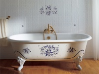 The cast-iron bathtub in the interior