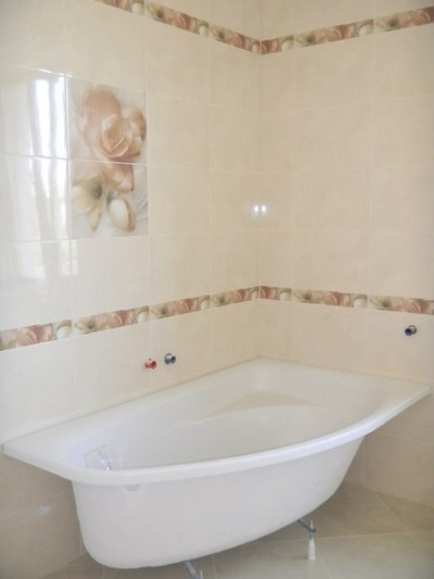 Bath , under which will make a frame made of plasterboard