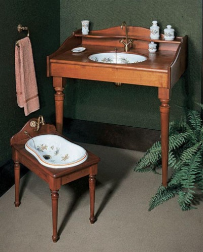 sink console with a porcelain bowl