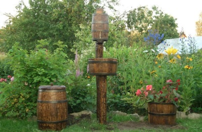 Wash your hands to give of wooden barrels