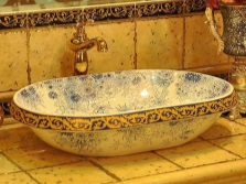 Surface wash basin oval 65 cm width of a floral pattern