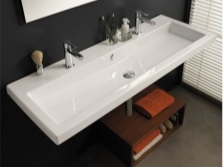 Tractor-mounted washbasin made ​​of white acrylic, width 85 cm