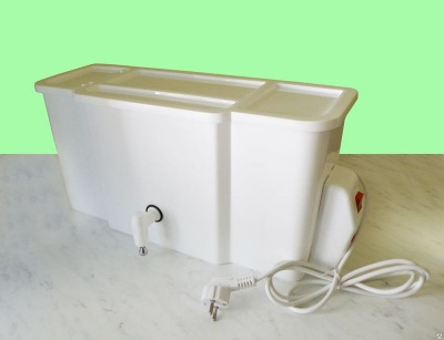 Summer wash basin with heated water and its safety