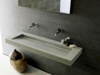 Wall-mounted washbasin in the bathroom
