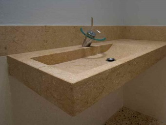 Suspension rectangular washbasin in natural stone
