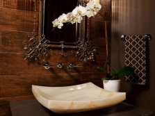 Onyx washbasin in the bathroom