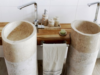 Natural stone sinks made ​​of travertine