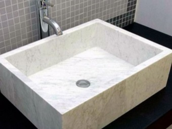 Stone sinks made ​​of marble