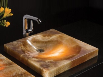 Onyx sink in bathroom