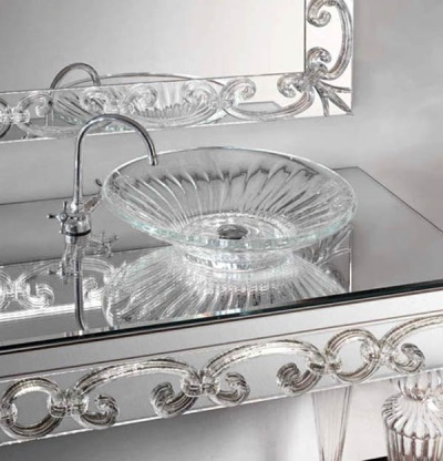 Luxurious bath sink