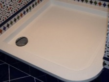 Cast iron pan shower cabinet with hydromassage