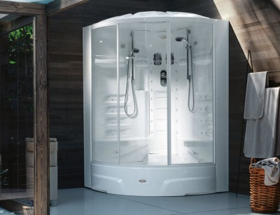 Italian firms Jacuzzi shower