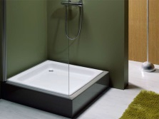 Cast iron shower tray